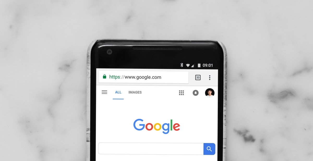 Phone displaying Google search update